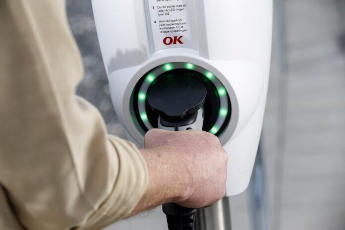 Nu får Sønderborg nye hurtigladestandere til elbiler - Nyheder fra servicebranchen - ServiceNews