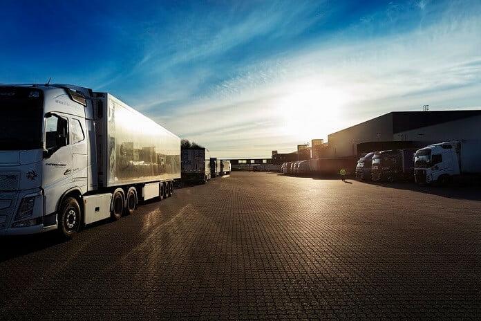 Salling Group gør sin transport mere klimavenlig og sparer de danske veje for 40000 lastbilsleverancer på et år - Nyheder fra servicebranchen - ServiceNews