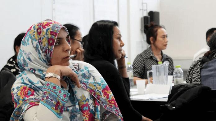 Samarbejde i servicebranchen: Flere medarbejdere skal lære at tale dansk - Nyheder fra servicebranchen - ServiceNews
